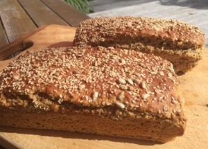 Super_Seed_Organic_Spelt_Bread